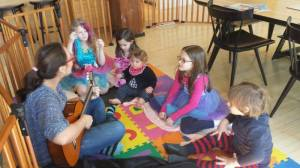Andrea Baquero of NYC Piano School teaching kids to play music. AB Music NY teaching is available through NY city and boroughs. Williamsburg, Upper West Side locations.